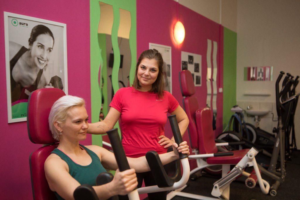 Cvičení bez chlapského potu, bez těžkých závaží a v přátelském kolektivu